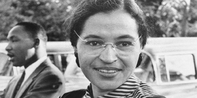 La (straordinaria) storia di Rosa Parks che lottò per l'uguaglianza