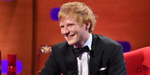 """Ed Sheeran positivo al Covid: """"Non sto molto bene, dobbiamo tutti stare attenti"""""""