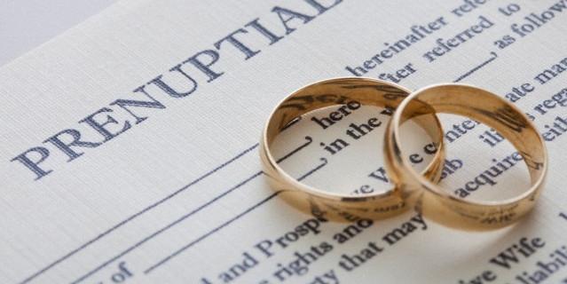 """Il """"contratto"""" d'amore: le terapiste di coppia dicono sì, noi no. Ecco perché"""