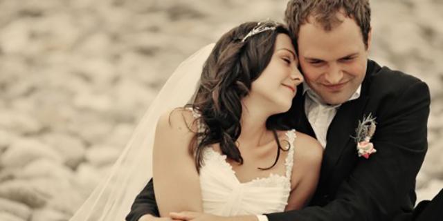 Matrimonio Felice e Duraturo? Ecco l'Età Giusta per Sposarsi