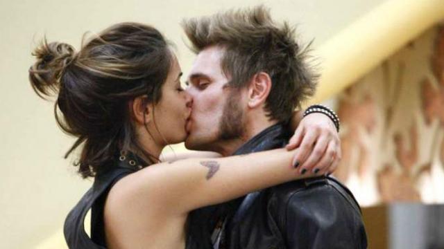 bacio a labbra chiuse