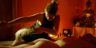 massaggio tantra kundalini