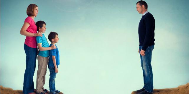 abbandono tetto coniugale con figli