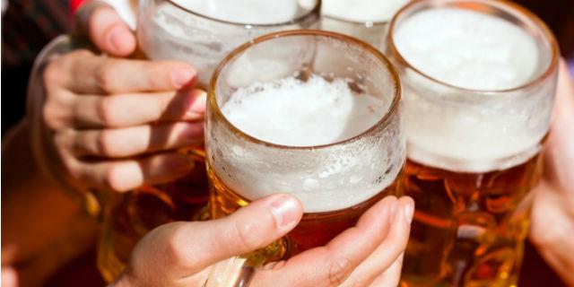 birra con gli amici