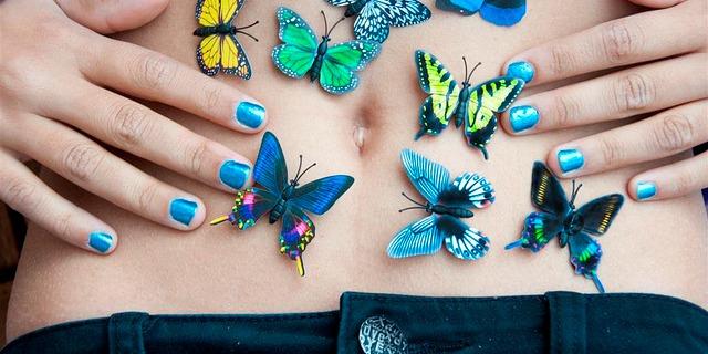 Risultati immagini per farfalle nello stomaco