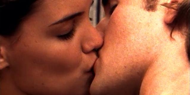 Perché ci piace mettere la lingua nella bocca di chi amiamo