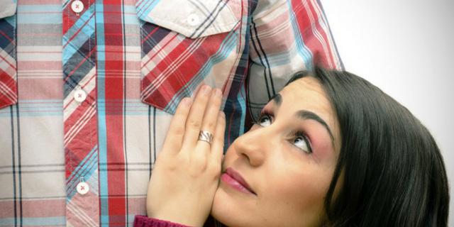 10 cose che devi sapere prima di uscire con una donna bassa