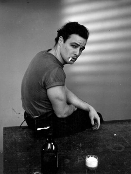 Se James Dean era troppo bello per dire che era bisex e amava Marlon Brando