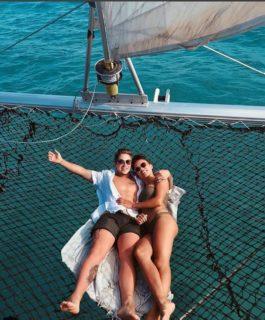 Pagati per fare sesso in hotel di lusso: il lavoro dei sogni di questa coppia