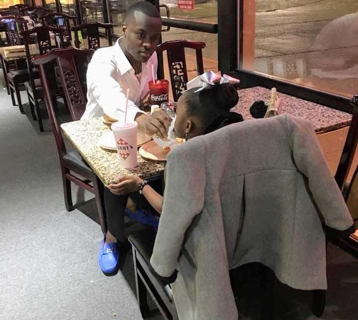 """Papà dà un appuntamento alla figlia per mostrarle """"come un uomo tratta una donna"""""""