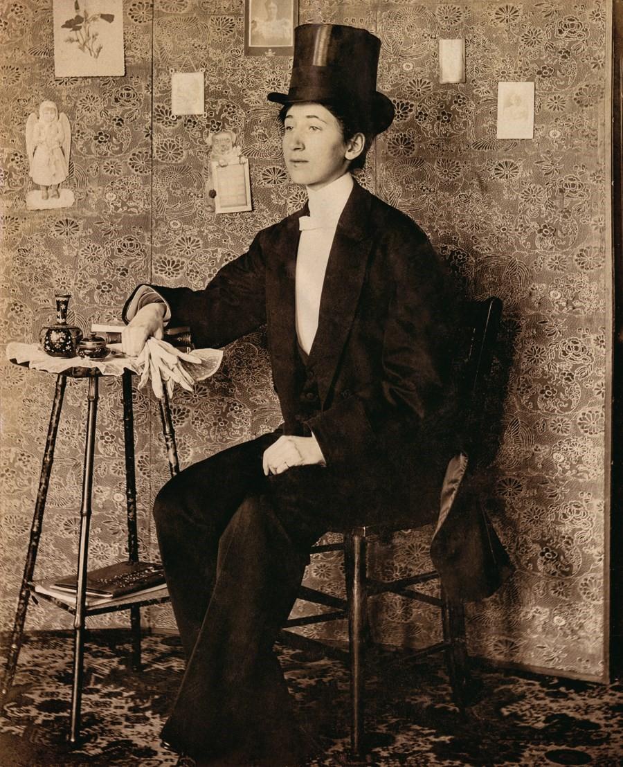 Le foto di trans e crossdresser d'inizio Novecento