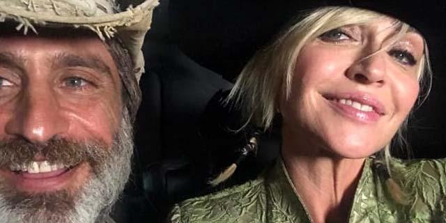 """Paola Barale: """"Non ci parliamo più"""", ma con Raz Degan è amore infinito"""