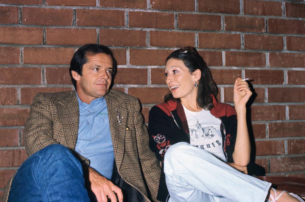Slip di altre e gelosia: l'amore bestiale di Anjelica Huston e Jack Nicholson