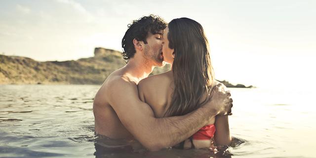 Guida ragionata al sesso in spiaggia: 4 cose che è meglio sapere