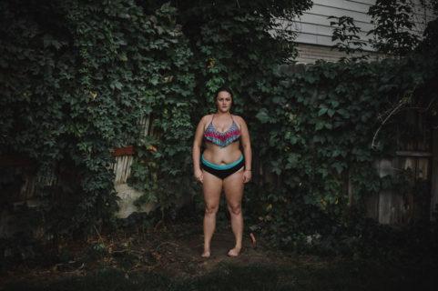Nude Portraits: le reazioni delle persone immortalate da un fotografo nudo