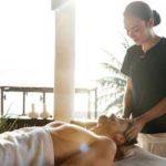 Massaggi sensuali: come farli e cosa serve