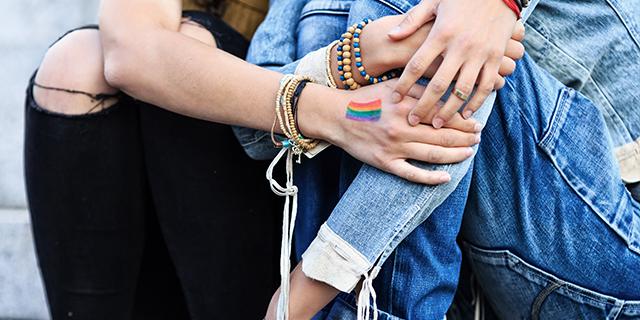 """""""Quando ho capito di essere bisessuale"""": il racconto di 6 donne"""