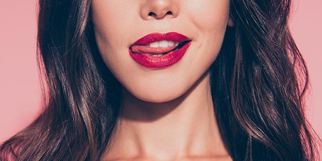 Libido femminile tra colpa, isteria e libertà: come funziona la voglia femminile