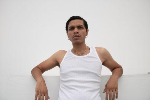 """""""Sono rom, gay e mi fa inca***re chi nega agli altri di vivere come vogliono"""""""
