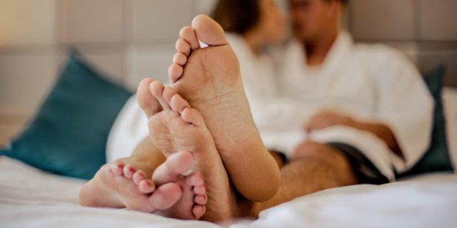 Fare l'amore fa bene? Ecco 9 benefici del sesso su mente e corpo