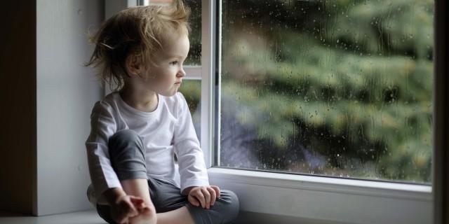 6 Lavoretti Creativi Da Fare Con i Bambini Quando Fuori Piove