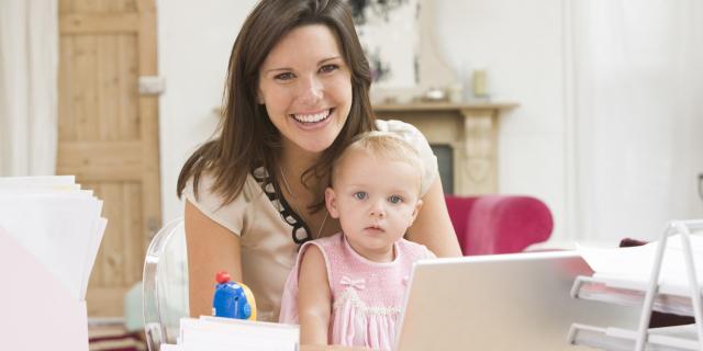 Mamme al Lavoro: Niente Carriera se Vuol Dire Sacrificare la Famiglia