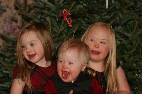 """Parla la Mamma di 3 Figli con la Sindrome di Down: """"Siamo una Famiglia Normale"""""""