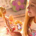 Le Bambine Non Dovrebbero Giocare con le Barbie: lo Sostiene una Ricerca, Ecco Perché