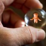 Aborto: tipologie, metodi e polemiche