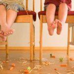 """Il pediatra avverte: """"Basta ossessione pulizia! Se cade me lo mangio. Il problema non è il pavimento ma..."""""""