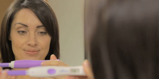 Stick di ovulazione: mai provato lo stick che ti dice quando puoi restare incinta?