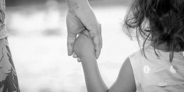 """""""Solo una mamma"""": storie di madri che crescono i figli da sole"""