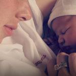 Le mamme che postano le foto dei figli sui social sono le più insicure