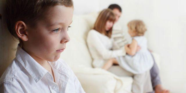 I genitori hanno un figlio preferito anche se dicono di no