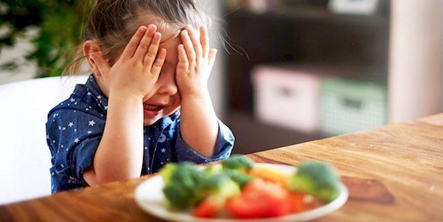 Perché i pediatri dicono no a dieta vegana e vegetariana per i bambini