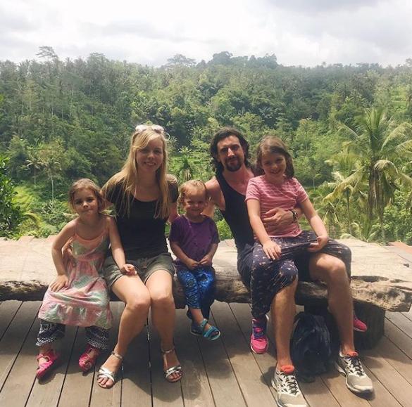 """Famiglia lascia città e lavoro e si trasferisce a Bali: """"Potete farlo anche voi"""""""