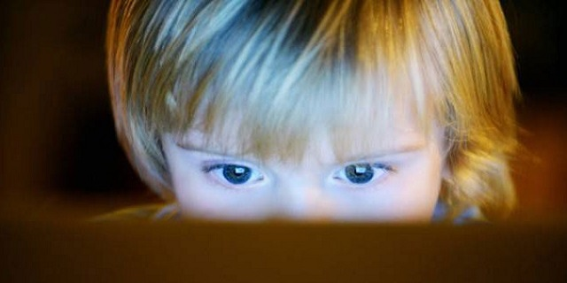 5 modi per proteggere i nostri figli dal grooming: l'adescamento di minori online