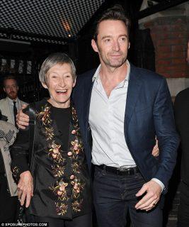 """Hugh Jackman: """"Mia madre mi abbandonò: oggi capisco perché lo fece"""""""