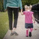 """""""Rimpiango la mia vita di prima"""": i sensi di colpa di una mamma"""