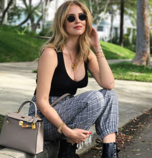 """Chiara Ferragni: perché la sua pancia """"piatta"""" a 40 giorni dal parto è normale"""