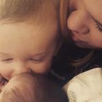 """""""Non amo i miei figli allo stesso modo"""": il commovente post di Casey"""