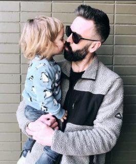 """""""Abbiamo deciso di non assegnare un sesso a nostro figlio: lo sceglierà da sé"""""""