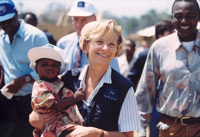 Perché Emma Bonino praticò aborti con la pompa della bicicletta e si autodenunciò