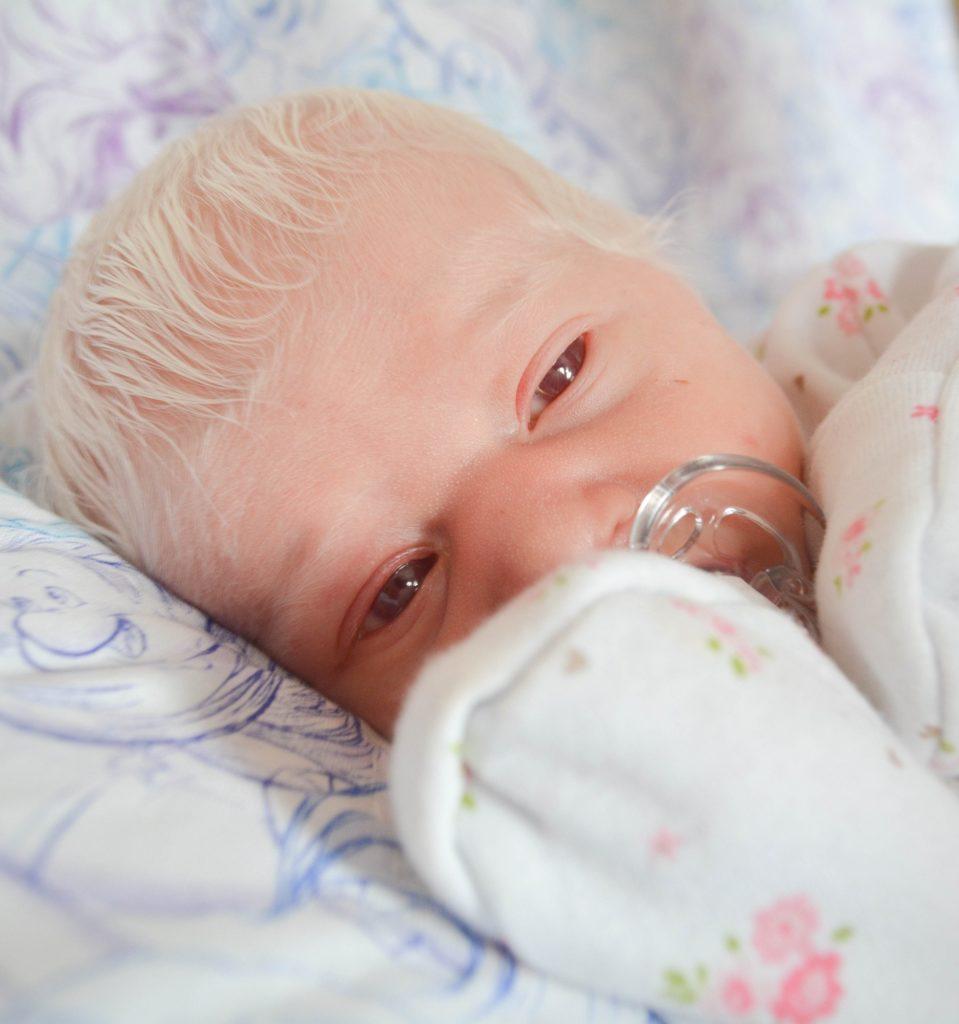 """""""La mia bimba aveva la testa piena di capelli... bianchi come la neve"""""""