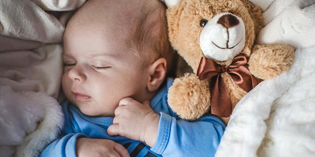 Non la solita ninna nanna: come vip e comuni mortali fanno addormentare i bimbi