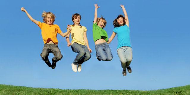 """8 giochi per bambini tra i 2 e i 6 anni: parola d'ordine """"divertimento"""""""