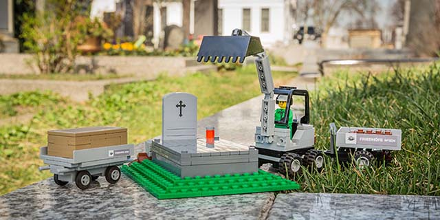 Il set di mattoncini da funerale esiste per parlare ai bambini di morte e lutto