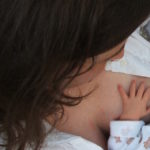 Se una compagnia aerea chiede alle donne che allattano di coprirsi