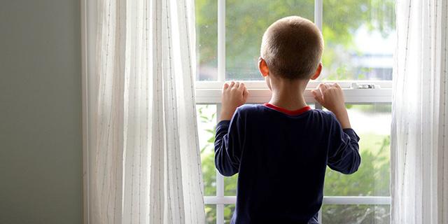 Cos'è la Sindrome di Asperger, il disturbo autistico che può portare all'isolamento