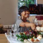"""Christmas crackers, le """"caramelle giganti"""" per fare regali d'effetto"""